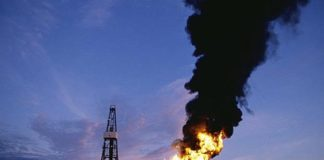us-oil-prices-turn-negative-as-demand-dries-up