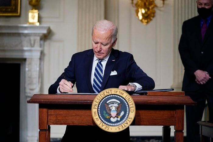 Can Biden's plans include a fourth stimulus payment